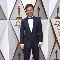 Gael García Bernal on the Oscar 2018 red carpet