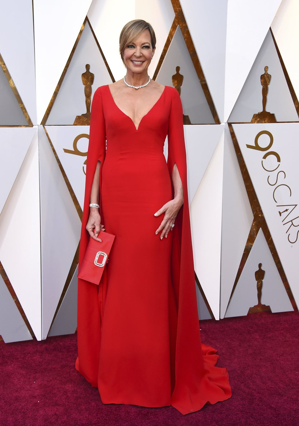 Allison Janney on the Oscar 2018 red carpet