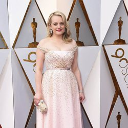 Elisabeth Moss at the Oscar 2018 red carpet
