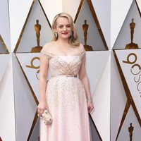 Elisabeth Moss at the Oscar 2018 red carpet