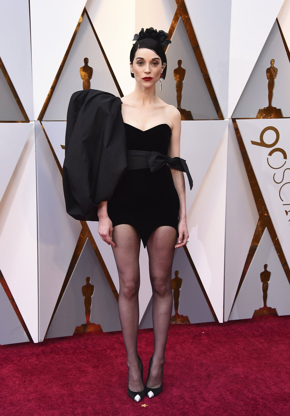 St. Vincent at the Oscars 2018 red carpet