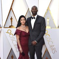 Kobe Bryant y Vanessa Laine Bryant at the Oscars 2018 red carpet