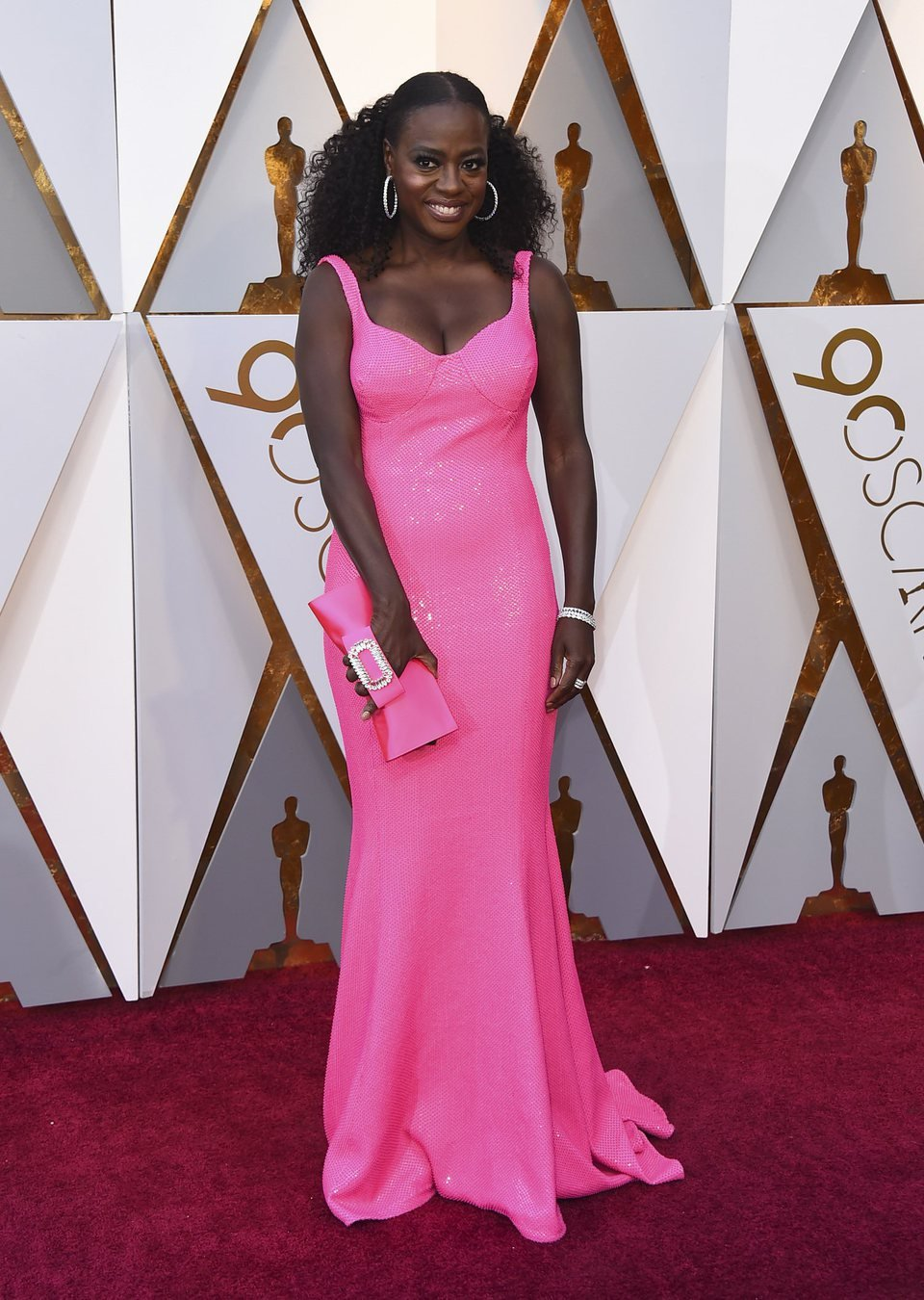Viola Davis at the Oscars 2018 red carpet