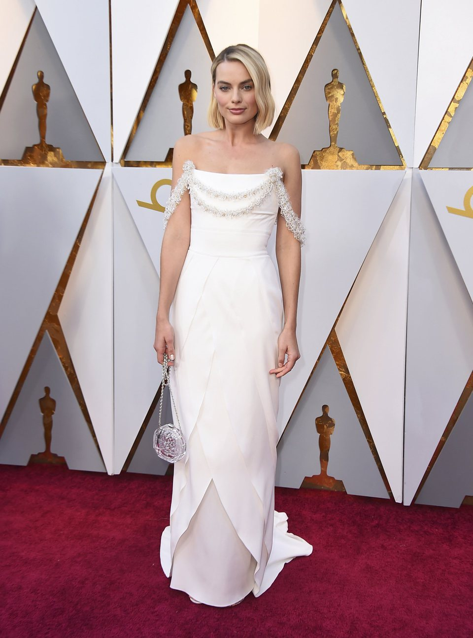 Margot Robbie at the Oscar 2018 red carpet