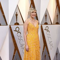 Greta Gerwig poses at the Oscar 2018 red carpet