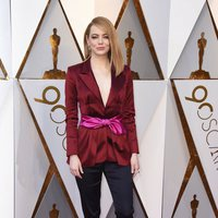 Emma Stone at the Oscars 2018 red carpet