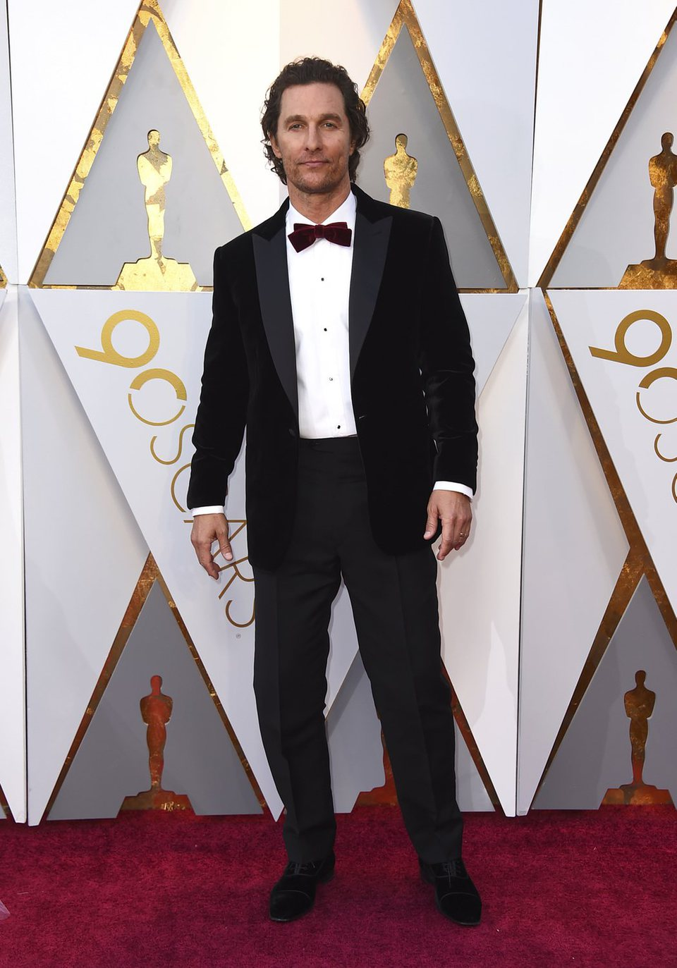 Matthew McConaughey at the red carpet of the Oscars ...