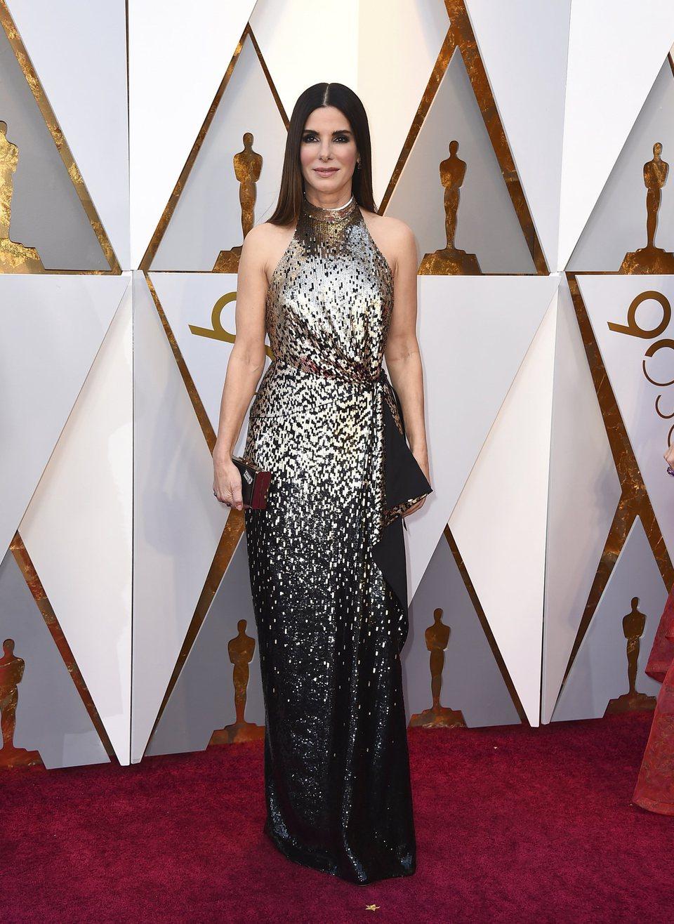 Sandra Bullock at the Oscar 2018 red carpet - Photos at