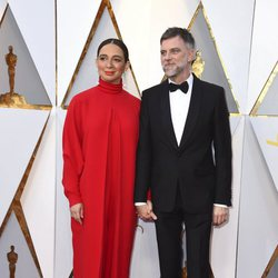Paul Thomas Anderson and his woman at the red carpet