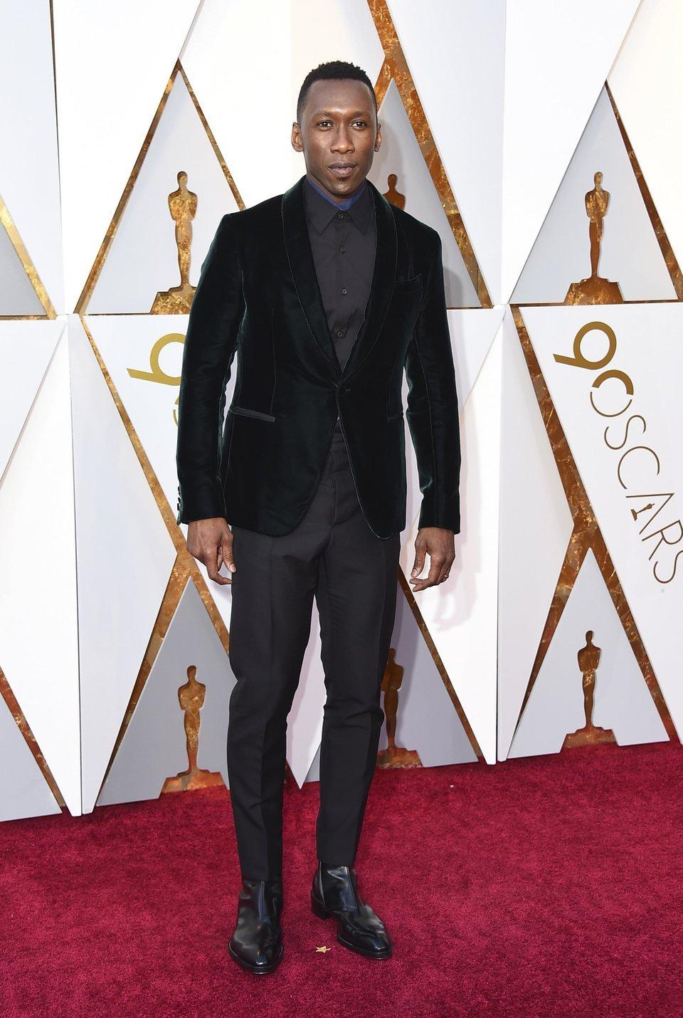 Mahershala Ali at the Oscar 2018 red carpet