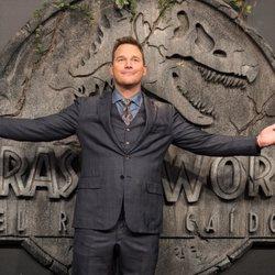 Chris Pratt very happy at the 'Jurassic World: Fallen Kingdom' world premiere at Madrid