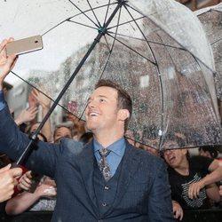 Chris Pratt with the fans at the 'Jurassic World: Fallen Kingdom' world premiere at Madrid