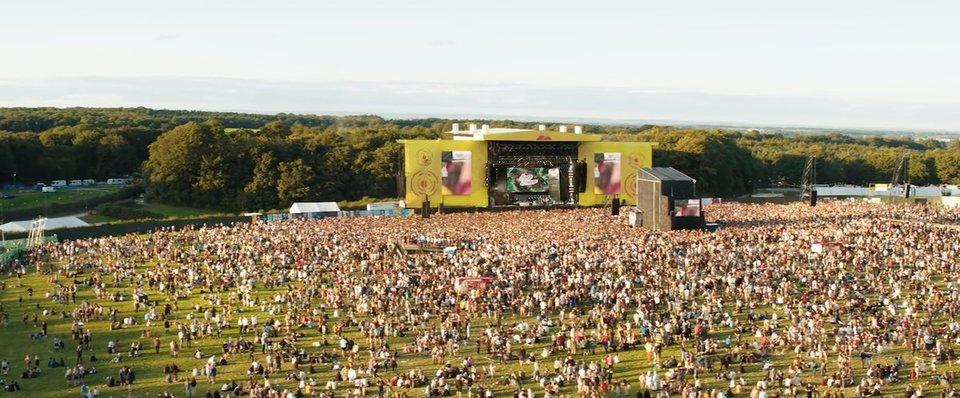 The Festival, fotograma 12 de 21