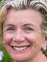Vivienne De Courcy