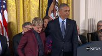 Ellen Degeneres receives in tears the Presidential Medal of Freedom