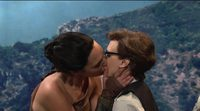 Gal Gadot kissing Kate McKinnon in Saturday Night Live