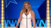 Amy Schumer wins best actress in a comedy at the Critics Choice Awards 2016